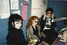 Candy, Ivy and Lux Photo by Rodney Bingenheimer from 'The Cramps' french book from 1989 The Cramps, Riot Grrrl, New Romantics, The New Wave, Rockn Roll, Club Kids, Youth Culture, Gothabilly, Post Punk