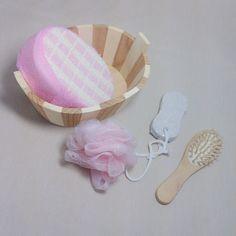5pcs Soft Exfoliating Back Spa Scrubber Bath Ball  Massage Comb Shower Sponge  Wood Box Pumice Stone Set