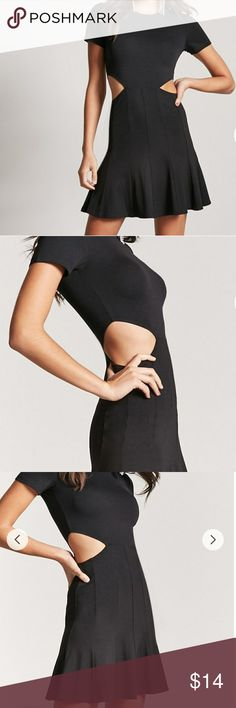 Fit & Flare Cutout Dress Cute black t-shirt dress with side cutout. Forever 21 Dresses