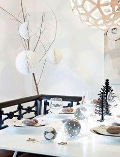 Une table de Noël lumineuse