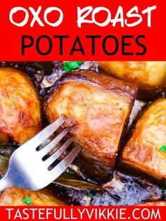 These healthy oxo roast potatoes are so simple to make and the perfect companion on a Slimming World roast dinner. They're crispy roast potatoes with a fluffy inside and only use spray oil for fat. Easy Slimming World Recipes, Slimming Eats, Roast Dinner, Sunday Roast, Vegetable Recipes, Vegetarian Recipes, Healthy Recipes, Slimming World Roast Potatoes, Quick Recipe Videos