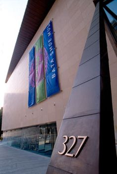 The BATA shoe museum, the only one in the world. Just 5 minutes from the InterContinental Toronto Yorkville and you will discover a collection numbering over shoes Bata Shoes, Toronto Travel, Toronto Canada, Gta, Spring Break, Museums, Art Museum, Spaces, Future