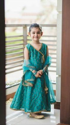 Little Ayeza Khan ? Girls Dresses Sewing, Frocks For Girls, Dresses Kids Girl, Girl Outfits, Kids Party Wear Dresses, Kids Dress Wear, Girls Wear, Summer Dresses, Pakistani Kids Dresses