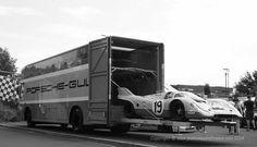 Porsche-Gulf 917 Transporter