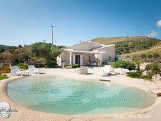 Beach Entry Pool, Backyard Beach, Backyard Pool Designs, Beach Pool, Natural Swimming Pools, My Pool, Swimming Pools Backyard, Swimming Pool Designs, Piscina Spa