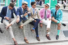 Spotted on the International Fairs this summer, the Panama hat is back! A Panama hat (toquilla s. Mens Suit Vest, Stylish Mens Outfits, Street Style Summer, Mens Fashion Suits, Summer Hats, British Style, Colorful Fashion, Hats For Men, Fashion Pictures