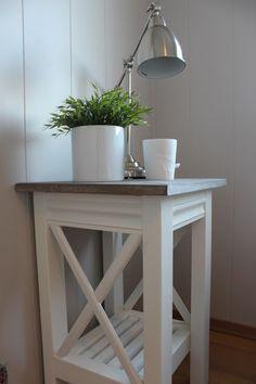 Lindevegen: DIY console table and bedside tables Diy Furniture Redo, Wood Furniture, Living Room Furniture, Furniture Design, Furniture Ideas, Funky Wallpaper, Diy Table, Entryway Tables, Bedside Tables