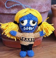 und Gretels Schwester Rita ist rechtzeitig für die Vorbereitungen eingetroffen ^^ download Häkelanleitung Zombie Rita download free croc...