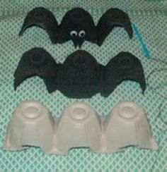 Riverbend Mom's Blog: DIY Halloween Decoration - Egg Carton Bats