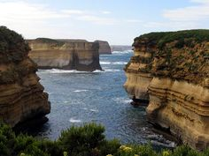 great ocean road... definitely near the top of this list of places I'd most like to go.