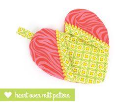 PATTERN:  Heart oven mitt