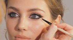 Perfect eye make-up is truly an art. Make sure your work is really appreciated and lasts all day.
