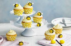 From Easter egg cupcakes to bee cupcakes the little ones can make, try our Easter baking recipes. For more Easter cakes and bakes, head to Tesco Real Food. Chocolate Buttons, Chocolate Orange, White Chocolate Chips, Melting Chocolate, Bee Cupcakes, Easter Cupcakes, Yummy Cupcakes, Easter Cake, Easter Food