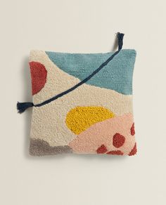 Zara Home, Punch Needle Kits, Punch Needle Patterns, Baby Pillows, Throw Pillows, Art Diy, Punch Art, Punch Punch, Rug Hooking