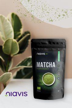 Știați că o ceașcă de 𝐜𝐞𝐚𝐢 𝐦𝐚𝐭𝐜𝐡𝐚 reprezintă echivalentul a zece cești de ceai verde? De asemenea, băutura preparată din matcha este cu 25% mai eficientă în arderea grăsimilor decât clasicul ceai verde. Poți include și tu acest elixir în rutina ta de dimineață, pentru o sursă bogată de antioxidanți și fibre. 🍵 Noi recomandăm pulberea de matcha de la Niavis, pe care o poți comanda aici 👉 𝒉𝒕𝒕𝒑𝒔://𝒃𝒊𝒕.𝒍𝒚/𝟑𝒉𝑶𝑫𝒛𝒙𝒆 Matcha