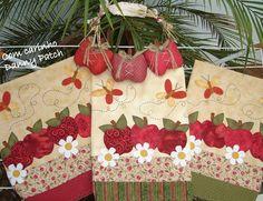 Panos de copa com aplicação em tecidos nacionais e importados. As cores podem variar de acordo com seu gosto. R$ 41,90