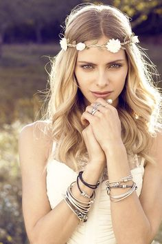 Put flowers in your hair and stack up on bracelets for a romantic bohemian look. Excellent look for festivals as well. Click the image to see more in PANDORA Magazine. #PANDORAstyle
