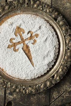 Vegan Desserts, Fun Desserts, Delicious Desserts, Spanish Cuisine, Spanish Food, Almond Tart Recipe, Sharing Platters, Cheesecake Tarts, Torte Cake