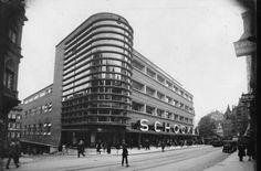 Ein Meisterwerk der modernen Architektur: der Schockenbau von Erich Mendelsohn in den 20er Jahren. Das Kaufhaus stand gegenüber dem Tagblatt-Turm und dem Hegelhaus in der Eberhardstraße. Auf Drängen der Firma Horten wurde es trotz heftiger Proteste 1959 abgerissen. Foto: Stadtarchiv Stuttgart