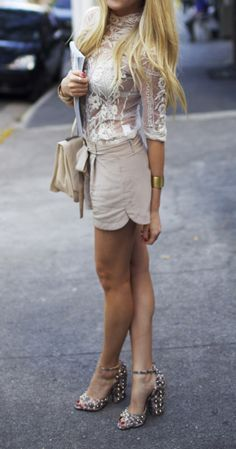 Street Style Inspirations Of The Week - Beautiful Lace Top / Nude Outfits
