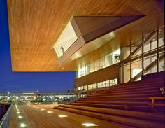 Diller Scofidio + Renfro, Grandstand and Harborwalk of Institute of Contemporary Art, Boston, 2006. Photo © Nic Lehoux. Reproduced by permission of the photographer and Diller Scofidio + Renfro. From Diller, Scofidio + Renfro: Architecture after Images, courtesy of The University of Chicago Press