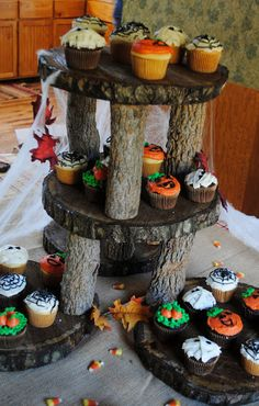 Cooke's Frontier: Rustic Cupcake Stand {Review and Giveaway}