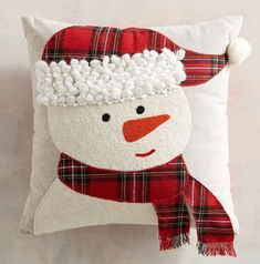 Snowman with Plaid Hat & Scarf Mini Pillow @ pier Christmas Sewing, Christmas Projects, Holiday Crafts, Christmas Crafts, Christmas Ornaments, Christmas Cushions, Christmas Pillow, Christmas Stockings, Wool Applique