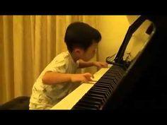 Ninyo Chino 5 años toca el piano increíble