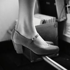 Cary Jane Pumps von Clarks - eine Hommage an die Jahre. Desert Boots, Clarks Originals, The Originals, Clarks Sandals, Pumps, Heels, Neue Trends, Mary Janes, Character Shoes