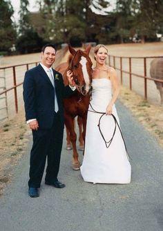 Fun photos with the bride's horse