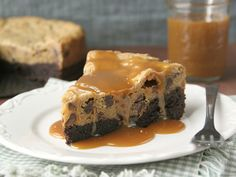 Brownie Cookie Pie http://www.bettycrocker.com/recipes/brownie-cookie-pie/1fdb9fc6-5e8b-4e32-8f46-33d2e26d49cf?nicam2=Email=Core=BC=BC_07_05_2012