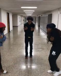 Pin by ? on dubsmashes . Dance Music Videos, Dance Choreography Videos, Dance Sing, Just Dance, People Dancing, Girl Dancing, Best Twerk Video, Funny Dancing Gif, Funny Black Memes