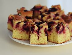Easy Apple Cake, Homemade Pastries, Cheesecake, Muffin, Good Food, Food And Drink, Sweets, Breakfast, Desserts