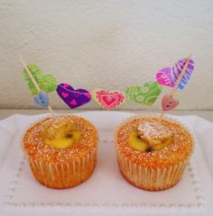 Vanilla cupcakes filled with passion fruit curd recipe Passion Fruit Curd, Curd Recipe, Vanilla Cupcakes, Breakfast Bowls, Coffee Cake, Bunting, Cake Toppers, Pineapple, Muffins