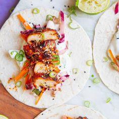 BBQ Love 💕  •  •  •  •  •  •  •  #recipeontheblog #linkinbio #avocadobanane #goodfood #foodblogger #foodlover #foodphotography #photooftheday #follow #foodinspo #sohungry #thefeedfeed #igersvienna #igersaustria #foodie #foodlove  #yummie #instafood #bbq #chicken #tortilla #delish #friyay #happyweekend #foodlove    #Regram via @www.instagram.com/p/BziC9qlC8ge/ Avocado, Bbq Chicken, Happy Weekend, Delish, Food Photography, Good Food, Ethnic Recipes, Instagram, Banana