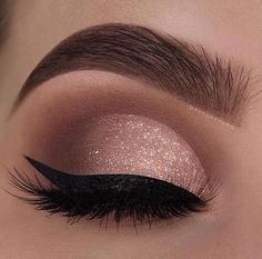 29 Gorgeous Eye Makeup Looks For Day And Evening - eye makeup for blue eyes ,brown eyes , eye shadow Prom makeup -- prom eye makeup or sephora prom makeup Click visit above for more options Evening Eye Makeup, Prom Eye Makeup, Makeup Eye Looks, Glitter Eye Makeup, Nude Makeup, Blue Eye Makeup, Eye Makeup Tips, Smokey Eye Makeup, Makeup Inspo