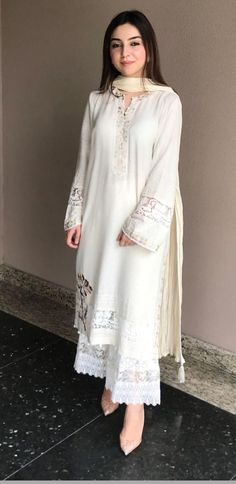Plus Size Designer Dresses - Casual, Evening & Party Dresses Pakistani Fashion Casual, Pakistani Dresses Casual, Pakistani Dress Design, Casual Summer Dresses, Stylish Dresses, Fashion Dresses, Kurti Designs Pakistani, Pakistani White Dress, Kurti Pakistani