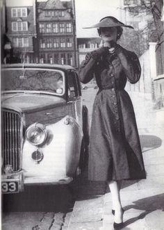 1954 - Hardy Amies dress