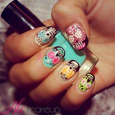 Uñas de calaveras mexicanas