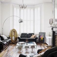 Living room of London home, photo by Jake Curtis via Living Etc