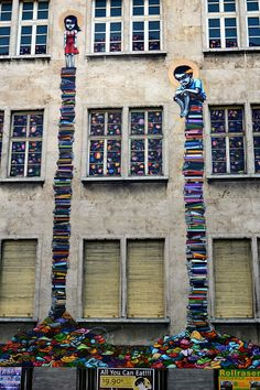 Who needs a ladder? Street Art By Brazilian Artist Tinho On The Streets Of Frankfurt, Germany.