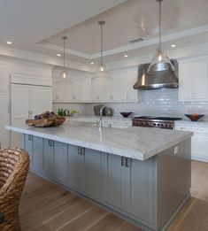 29 Ideas Modern Beach House Kitchen Islands For 2019 Modern House Plans, Small House Plans, Beach House Kitchens, Home Kitchens, Kitchen Colors, Kitchen Design, Kitchen Colour Combination, Kitchen Cabinets And Countertops, Beach House Decor