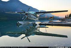 Cessna 208B Grand Caravan aircraft picture