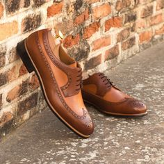 Custom Made Long Wingtip Blucher in Cognac and Medium Brown Painted Calf Leather From Robert August. Create your own custom designed shoes.#shoes #shoesoftheday #dapper #menswear #mensfashion #luxurylifestyle #success #hot #style #bespoke #luxury .