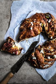 I'm thrilled to have Aimee from Twigg Studios sharing her Honey Fig Pistachio and Goat Cheese Loaf on WhipperBerry today! Fig Recipes, Sweet Recipes, Cooking Recipes, Bread Recipes, Baking And Pastry, Bread Baking, Biscuits, Muffins, Bread Bun