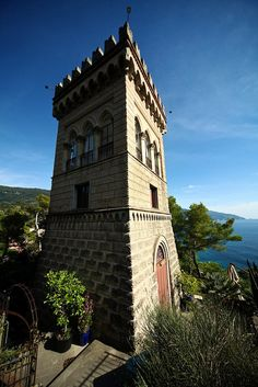 The charme of living in a tower Historical La Torre dei Merli, only at  http://www.cinqueterreriviera.com/cinqueterre/services-for-travelers/luxury-villa-monterosso-latorre/