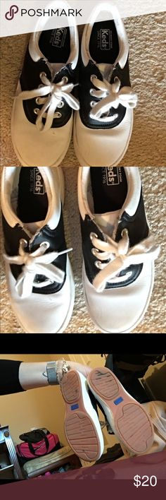 Saddle back shoes Great condition.  Perfect for school. Black and white saddle back keds! Keds Shoes Dress Shoes