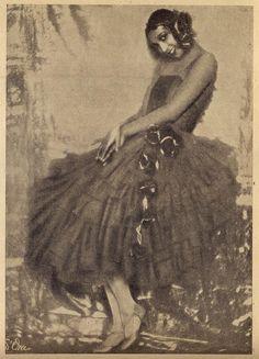 Josephine Baker in New York as a Ziegfeld Follies chorus girl, early 1920s