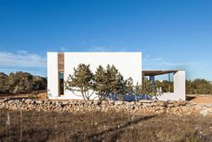 Can Xomeu Rita is a small dwelling that takes the name of the traditional place name of the interior of the island of Formentera where it is located Spanish Islands, Journal Du Design, Charming House, Dry Stone, Balearic Islands, Construction, Landscape Lighting, Rustic Interiors, Aerial View