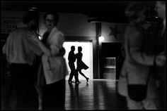 Elliott Erwitt Tango dancers. Helsinki. Finland (2001)
